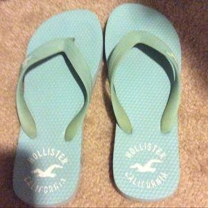 💙 Baby blue Hollister flip flops 💙